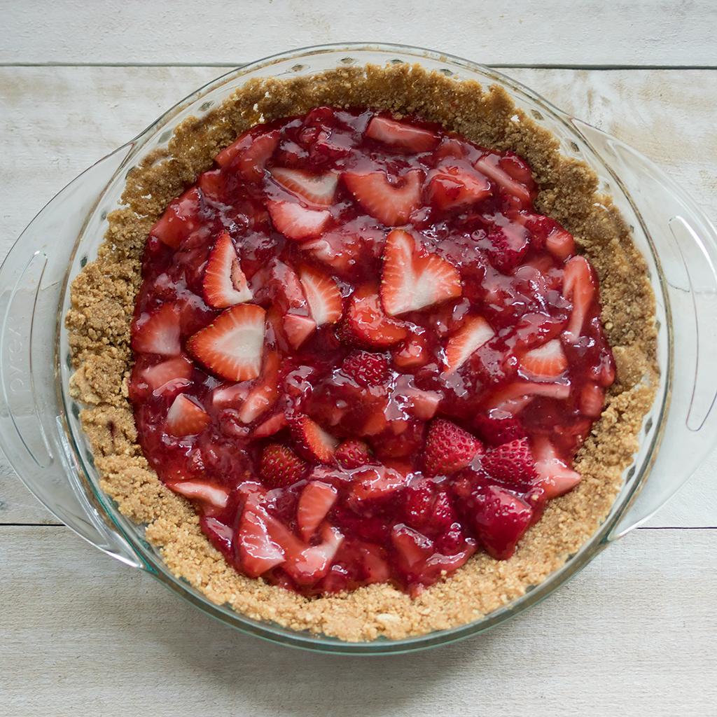 Easy Vegan Strawberry Icebox Pie