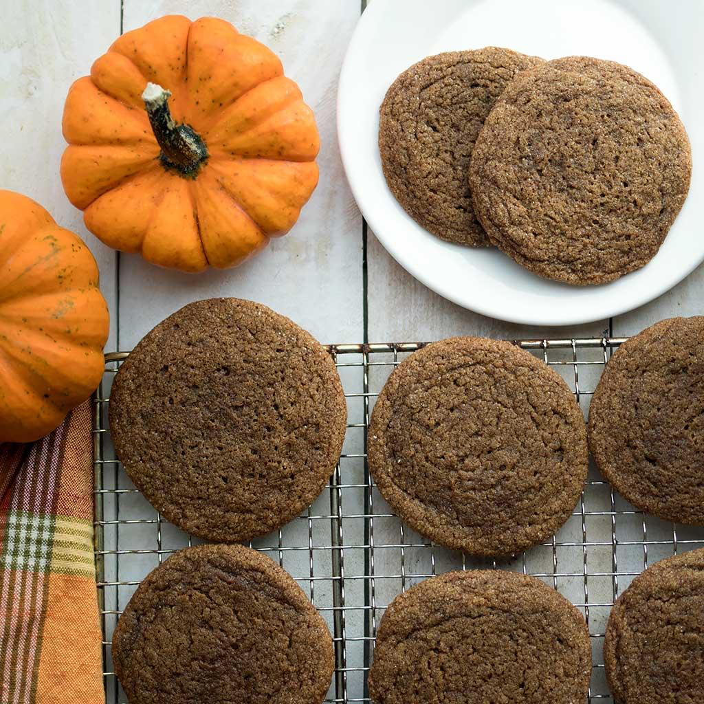 Chewy Vegan Pumpkin Spice Molasses Cookies